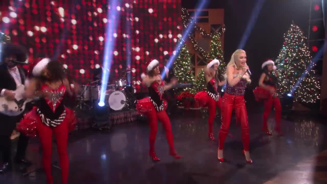 Gwen Stefani - Cheer for the Elves